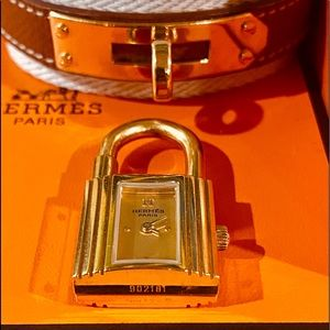 Hermes Accessories - ⏰⏰⏰Authentic Hermes Kelly Watch 20x20 mm